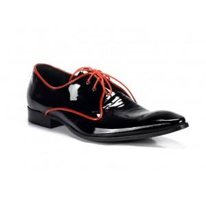 Elegantní pánské kožené boty COMODO E SANO černé barvy s červenými tkaničkami