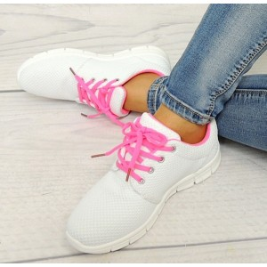 Sportovní obuv pro dámy v bílé barvě s růžovými šňůrkami