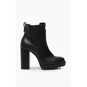 Černé dámské zimní kotníčky na hrubém podpatku