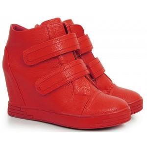 Červené kotníkové boty na platformě se zapínáním na suchý zip