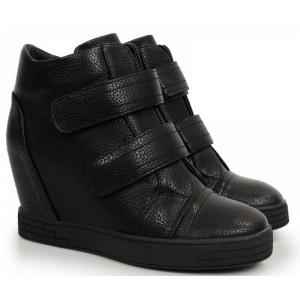 Kotníkové boty v černé barvě na plném podpatku