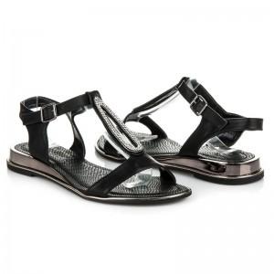 Černé dámské sandály se zapínáním na přezku