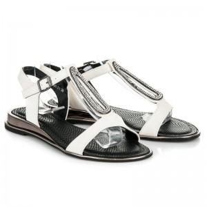 Bílé letní dámské sandály s dekorativními kamínky