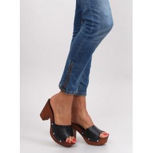 Dámské sandály na podpatku černé barvy