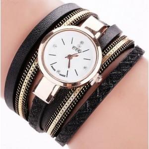 Černé náramkové hodinky s koženými řemínky