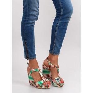 Zelené dámské sandály na platformě vzorované