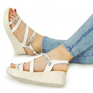 Sportovní bílé dámské sandály na platformě