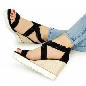 Dámské sandály na platformě černé barvě