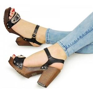 Černé dámské sandály se zapínáním kolem kotníku