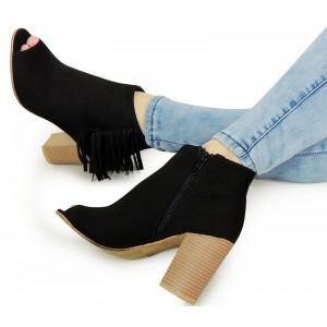 Černé dámské sandály na hrubém podpatku s třásněmi