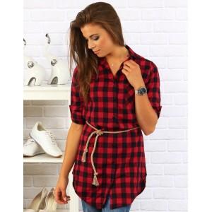 Červená dámská košile s doplňkem