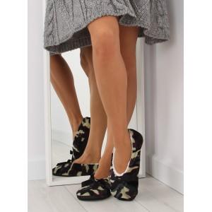 Zateplené dámské pantofle zelené barvy