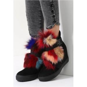 Čierne dámske topánky s brmbolcami