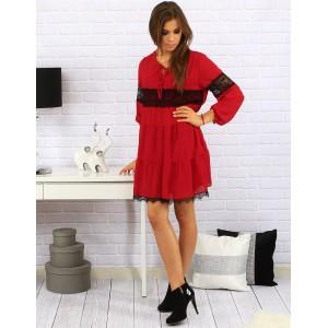 Luxusní volné dámské šaty nad kolena v červené barvě kombinovaný s černou krajkou