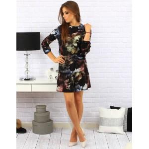 Černé dámské krátké šaty po kolena se šněrováním na pásu a květinami v modré barvě