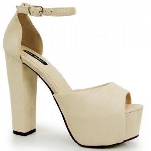 Dámské sandály na hrubém podpatku s platformou v béžové barvě