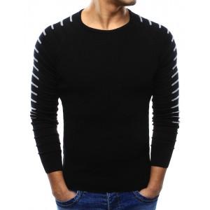 Černý pánský svetr s elegantním bílým prošitím na rukávech