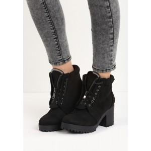 Zateplené dámské kotníkové boty černé barvy na hrubém podpatku