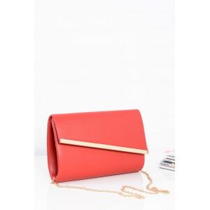 Červené dámské večerní kabelky se zlatým zapínáním a řetízkem