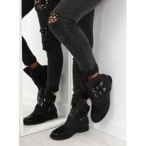 Černé zateplené dámské boty na zimu s přezkami