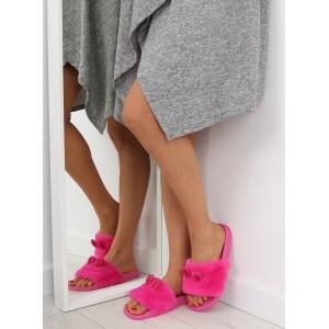 Pohodlné chlupaté dámské nazouváky růžové barvy s oušky