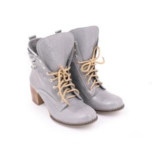 Šedé dámské kožené boty na podpatku na šněrování