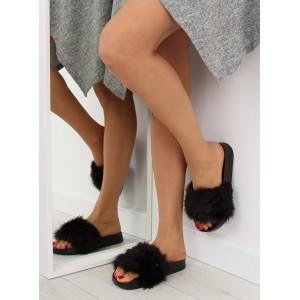 Černé nazouváky s aplikacemi pro dámy na léto