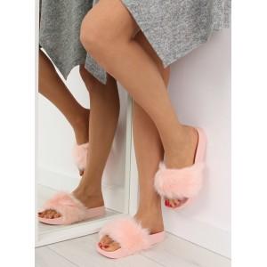 Moderní dámské nazouváky s kožešinou růžové barvy