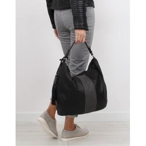 Černá dámská kabelka na zip s odnímatelným střapcem