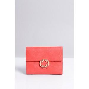 Malá praktická dámská peněženka červené barvy se zlatým zipem