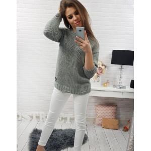 Jednoduchý dámský pletený pulovr v šedé barvě s tříčtvrtečními rukávy