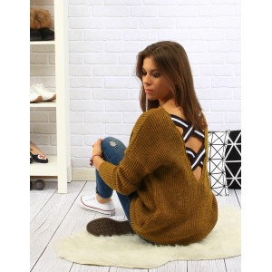 Moderní dámský pletený svetr v hořčicově žluté barvě s černo bílými pruhy vzadu