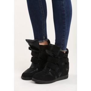Kotníkové dámské boty na platformě černé barvy
