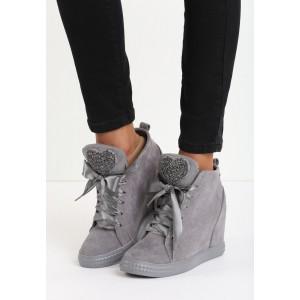 Šedé dámské kotníkové boty na platformě se srdíčky