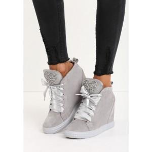 Světle šedá dámská kotníková obuv na platformě s lesklými tkaničkami a kamínky