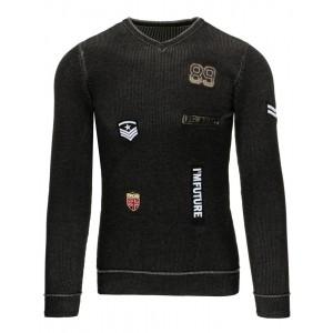 Černý pánský svetr s véčkovým výstřihem a nášivkami