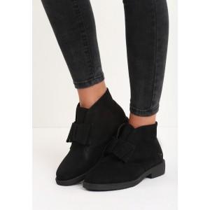 Černé zateplené dámské kotníkové boty na nízkém podpatku