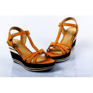 Dámske kožené sandále svetlo hnedé DT089