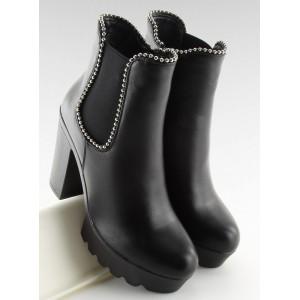 Vysoké dámské černé boty na zimu