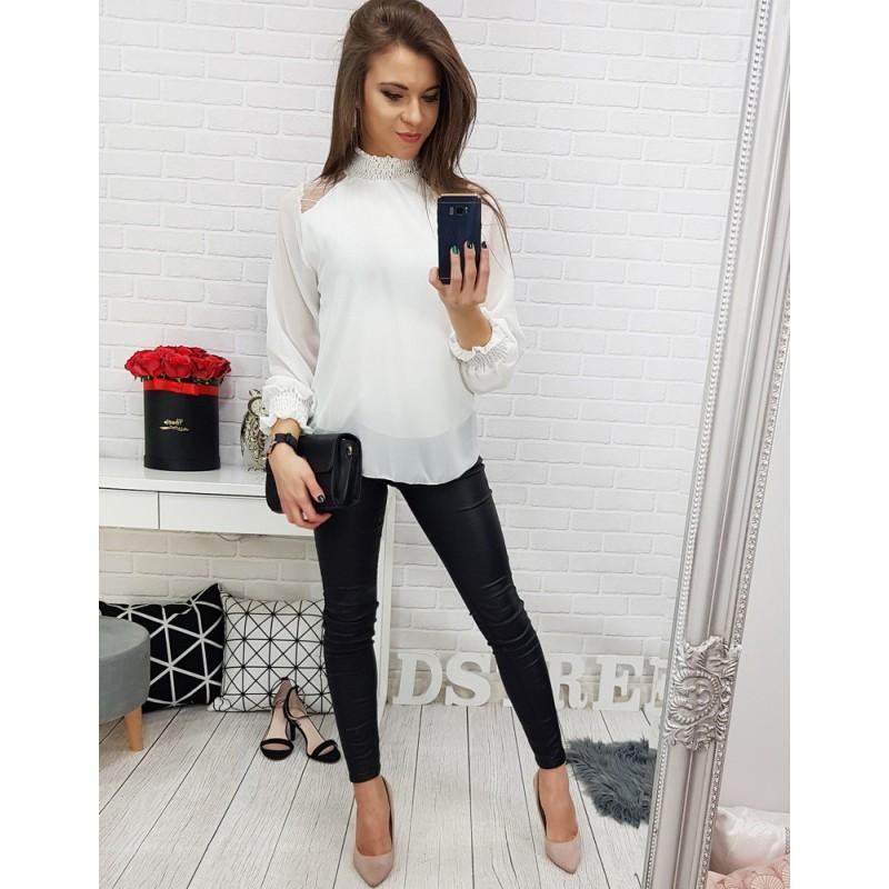 85e36ce441c Elegantní bílá dámská halenka s nařaseným stojáčkem a rukávy