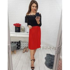Červená dámská skládaná sukně po kolena