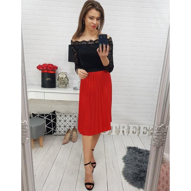 73a51a85f1d2 Červená dámská skládaná sukně po kolena