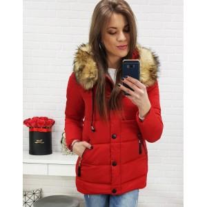 Dámská zimní bunda se zapínáním na zip a knoflíky červené barvy