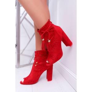 Dámské kotníkové boty v červené barvě na hrubém podpatku