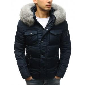 Tmavě modrá pánská zimní bunda s náprsními kapsami a kapucí s kožešinou