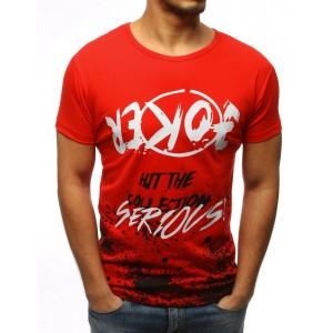 Červené tričko s potiskem bílo černé barvy