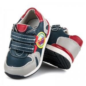 Chlapecké boty modré barvy na suchý zip
