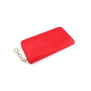 Velká elegantní červená peněženka s ozdobným přívěskem na zipu
