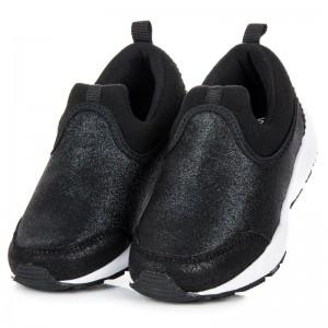 Černá dětská sportovní obuv slip on pro holky