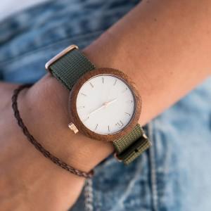 Dámské bílé dřevěné hodinky s textilním řemínkem